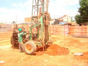 perfuratriz eletrica hidraulica