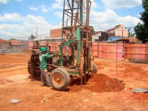 perfuratriz eletrica hidraulica (1)